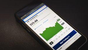 Kom i gang med at købe aktier – hurtigt og nemt